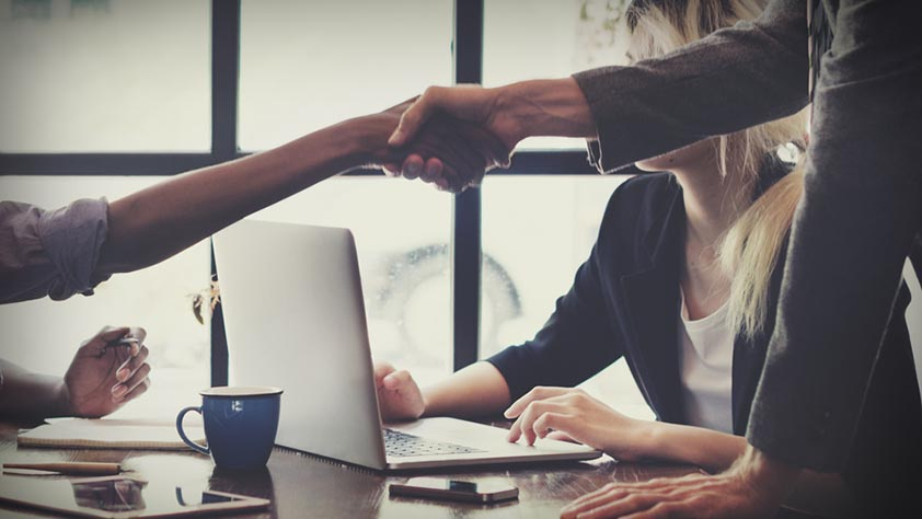 5 Ways to connect the dots between recruiting and HR